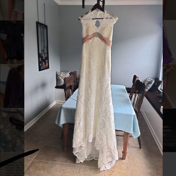 Beautiful Pearl White Lace Wedding Dress Size 8